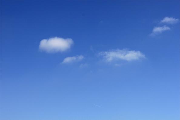 Un joli ciel bleu.