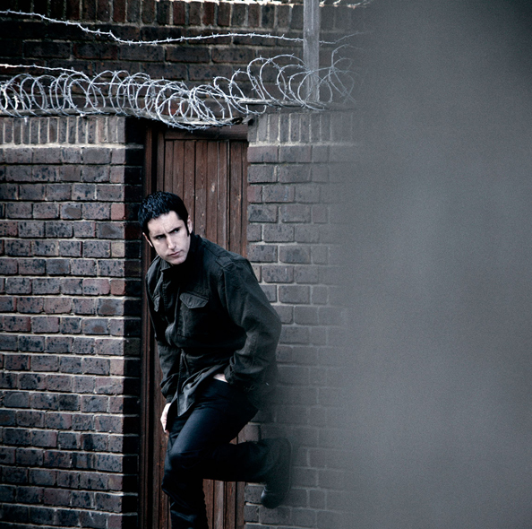 nine-inch-nails-year-zero-photo-shoot-london-trent-reznor-rob-sheridan-16