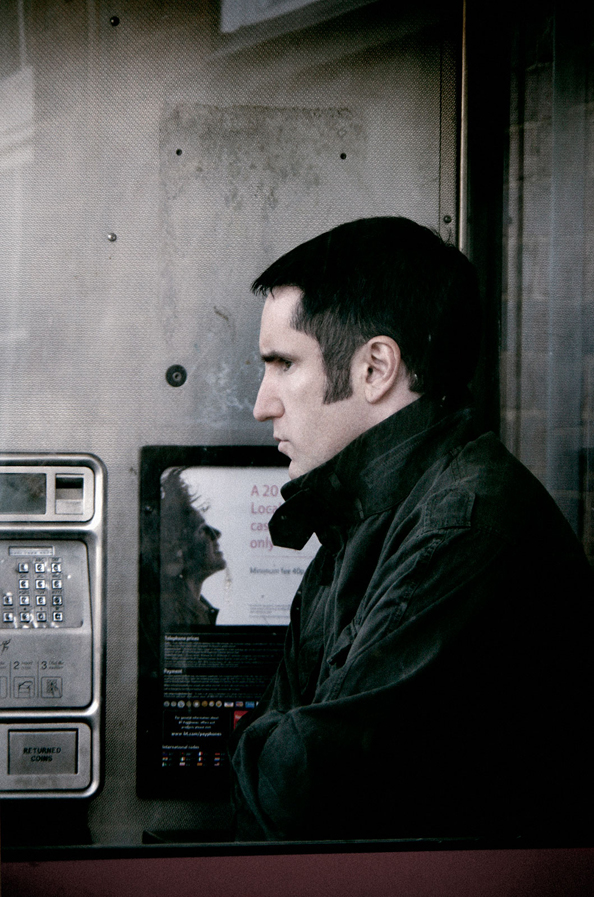 nine-inch-nails-year-zero-photo-shoot-london-trent-reznor-rob-sheridan-9
