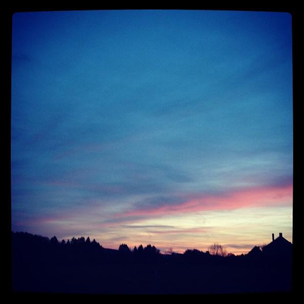 « Le soleil se couche sur Heure. »