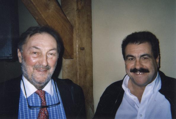Jacques Bredael et Saddam Hussein ont honoré Monsieur le Bourgmestre de leur présence.